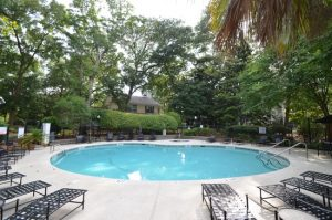 Beautiful John's Island Condo, Dual Masters, W/D, Community Pool, ONE Pet OK!